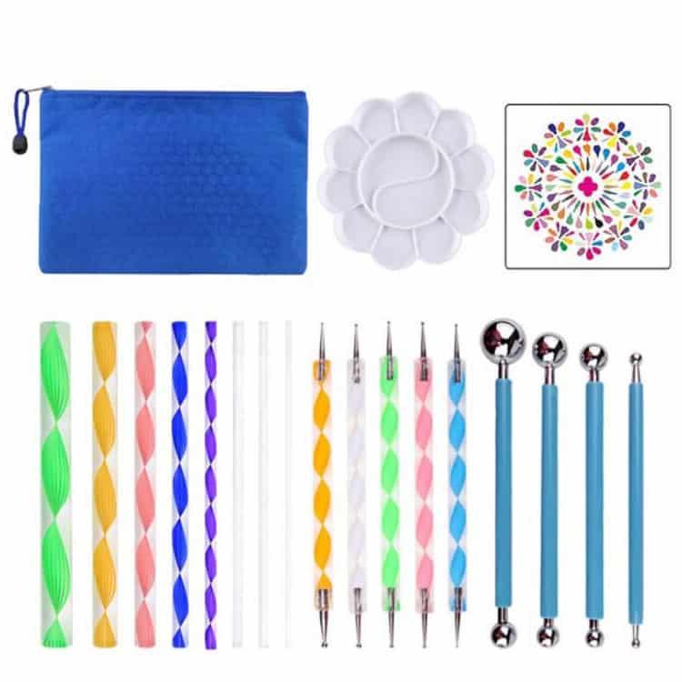 Set di strumenti per disegni Mandala